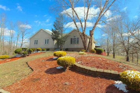 Photo of 1221 Betty Dr, Raceland, KY 41169