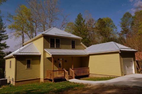 Photo of 159 Pine Ridge Rd, Robbinsville, NC 28771