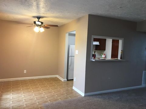 Photo of 2907 Red Bluff Rd Unit 68, Pasadena, TX 77503