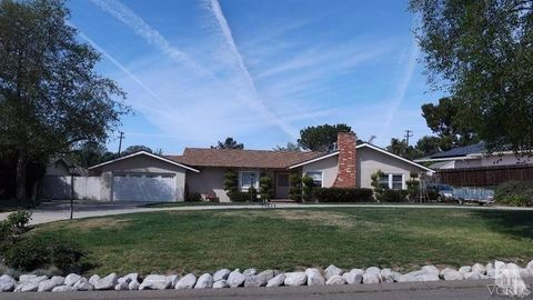 1107 Waverly Hgts Dr, Thousand Oaks, CA 91361