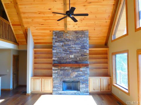 Photo of 21 Deer Ridge Rd, Franklin, NC 28734