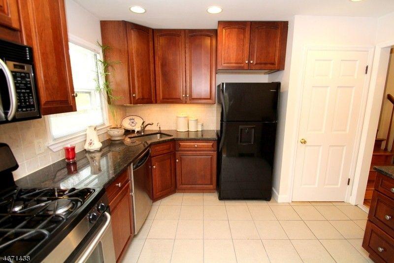 816 Savitt Pl, Union, NJ 07083