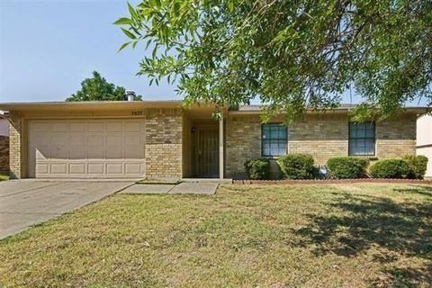 Photo of 7027 Hedge Dr, Dallas, TX 75249