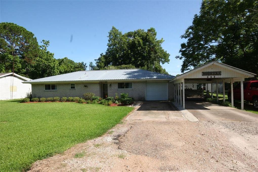 809 Hamilton St West Columbia, TX 77486