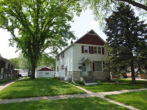 Photo of 910 College St N, Fargo, ND 58102