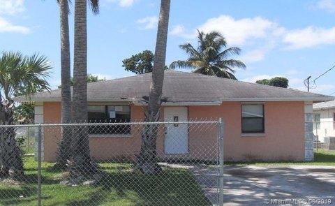 11940 SW 212th St, Miami, FL 33177