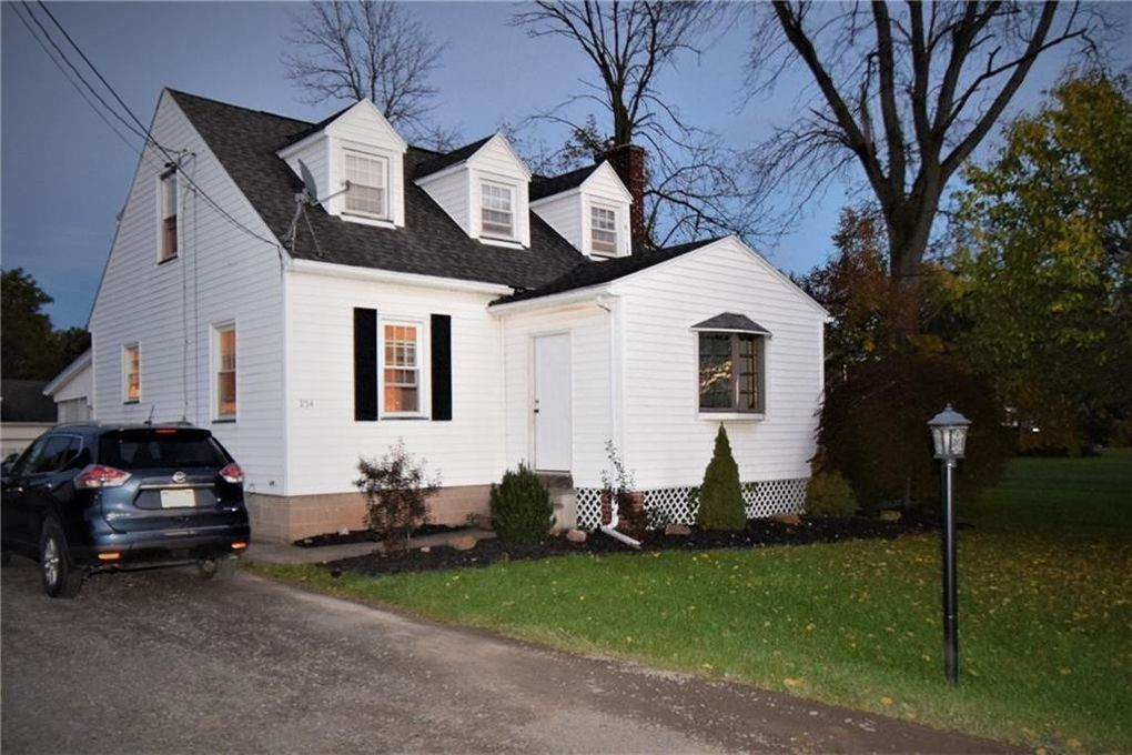 254 Fisher Rd, Rochester, NY 14624