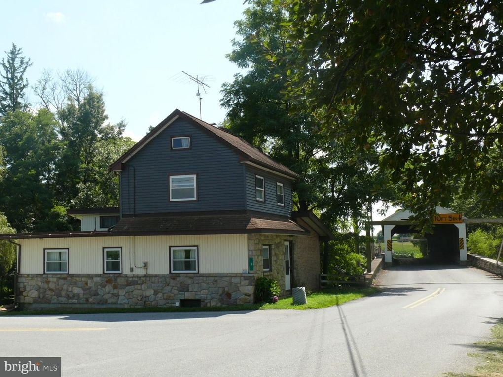 2 Tollhouse Rd, Oley, PA 19547