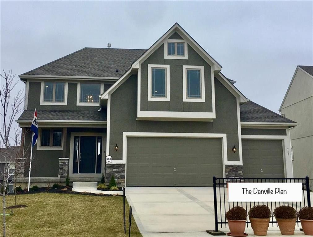 710 S Franklin St, Raymore, MO 64083