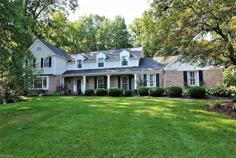 2850 Chippendale Dr, Hudson, OH 44236