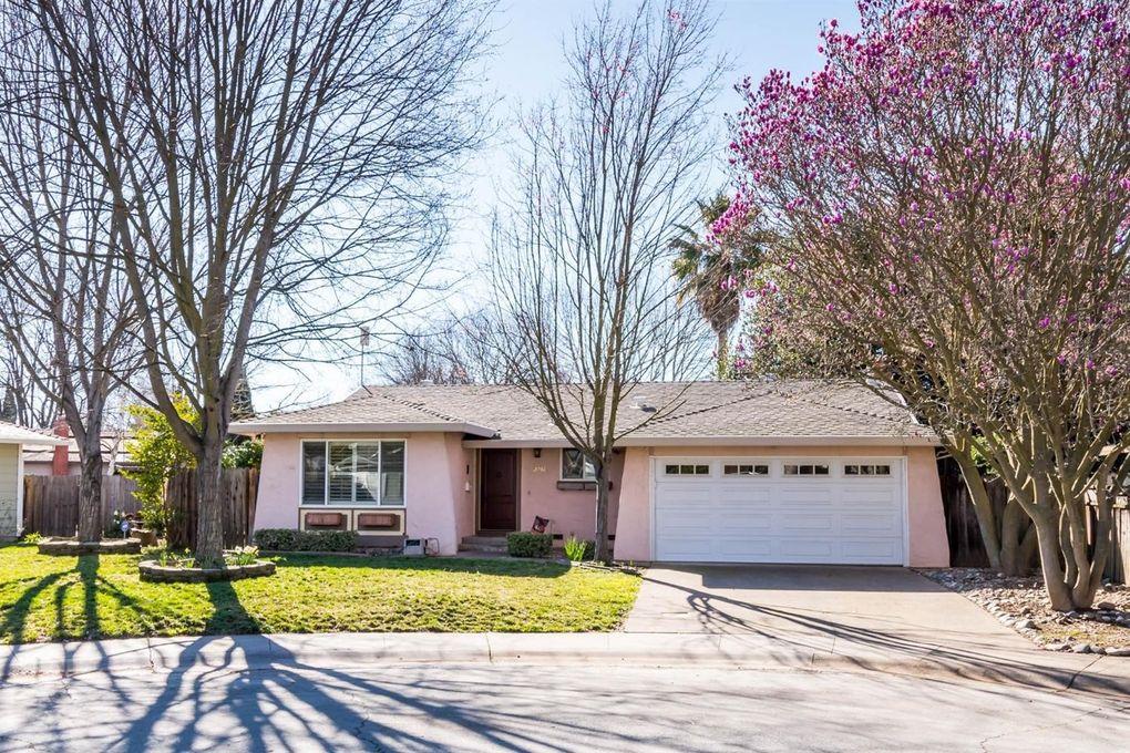 2261 Glencoe Way, Sacramento, CA 95826