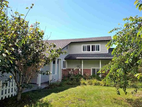 15300 Us Highway 101 N, Smith River, CA 95567