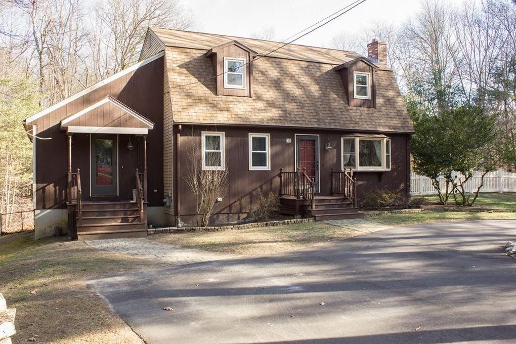 75 Miller St, Norfolk, MA 02056