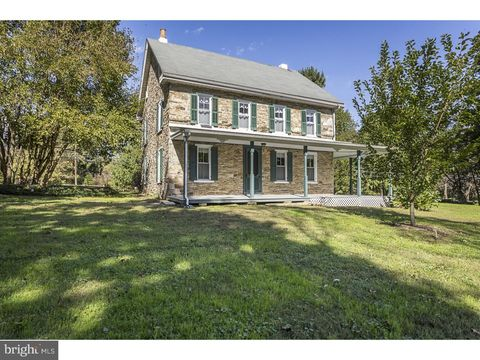 2041 Valley Rd, Parkesburg, PA 19365