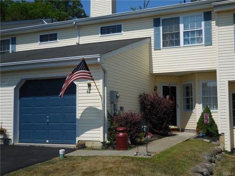 42 Pond Hill Ln, Walden, NY 12586