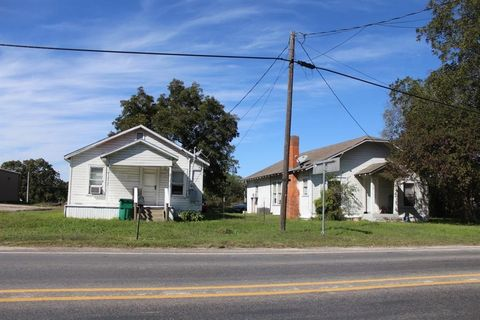 Photo of 208 N Commerce St, Bremond, TX 76629