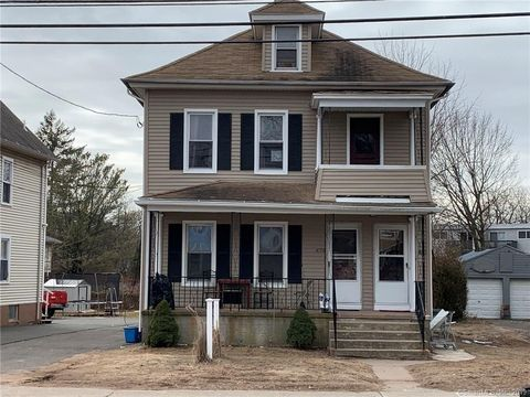 Photo of 478 Main St, East Haven, CT 06512