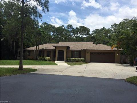 5631 English Oaks Ln, Naples, FL 34119