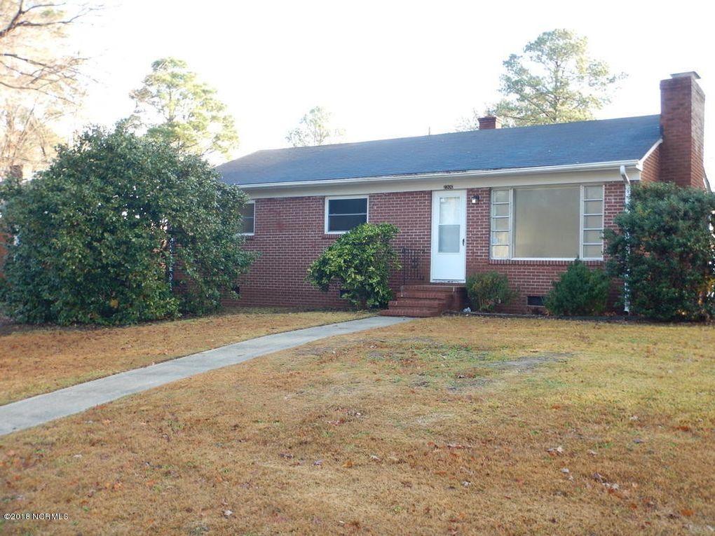 2300 Jefferson Dr, Greenville, NC 27858