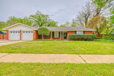 Photo of 435 George L Cross Dr, Norman, OK 73069
