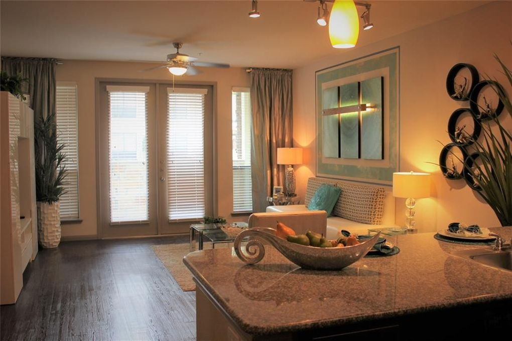11200 Broadway Suite 2400 St Unit 2418, Pearland, TX 77584