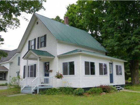 106 Elm St, Newport City, VT 05855