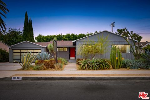 Photo of 11932 Mc Cune Ave, Los Angeles, CA 90066