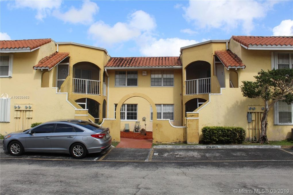 15635 Sw 74th Circle Dr Apt 12, Miami, FL 33193