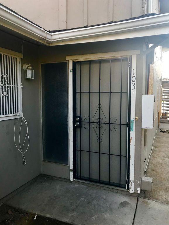 4993 N Holt Ave, Fresno, CA 93705