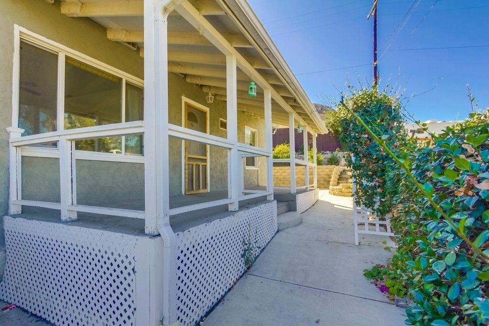 8605 Dove Hill Dr, Santee, CA 92071