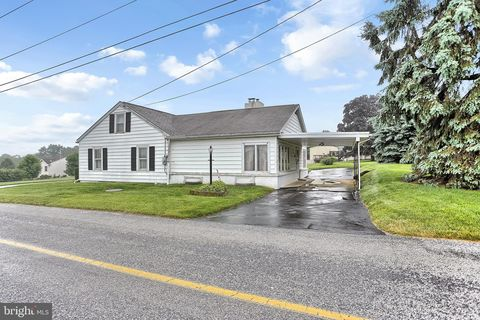 Photo of 520 Paddletown Rd, Etters, PA 17319