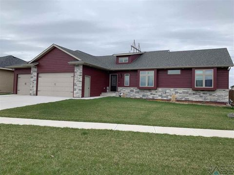 Photo of 2200 W 95th St, Sioux Falls, SD 57108