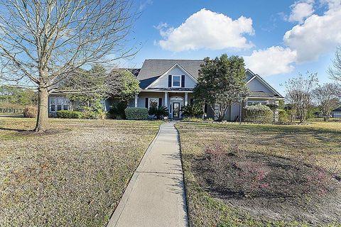 1 Lake Estates Ct, Montgomery, TX 77356