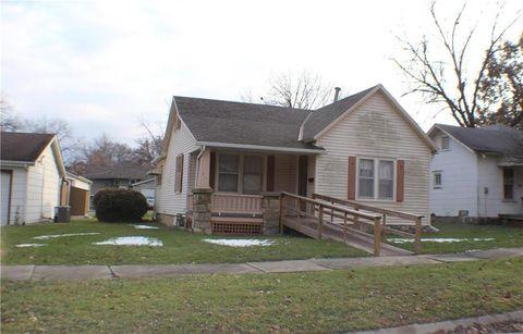 317 Parker Ave, Osawatomie, KS 66064