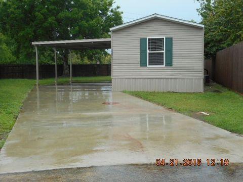 7520 Tall Pine St, Beaumont, TX 77713