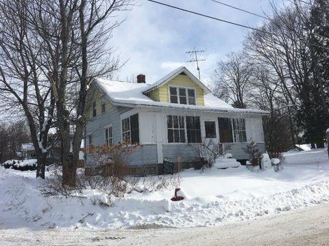 16 Fairview Ave, Saranac Lake, NY 12983