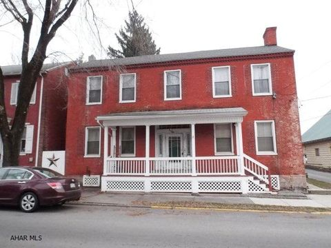 220 High St, Williamsburg, PA 16693