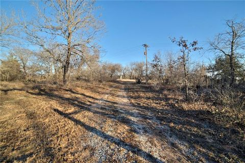119 Hickory Hill Dr, La Vernia, TX 78121