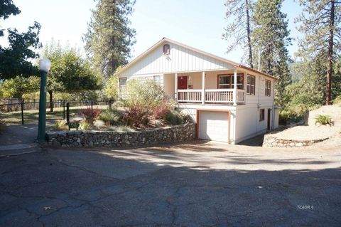 Photo of 170 Red Hill Rd, Weaverville, CA 96093