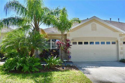 Photo of 6913 Surrey Oak Dr, Apollo Beach, FL 33572