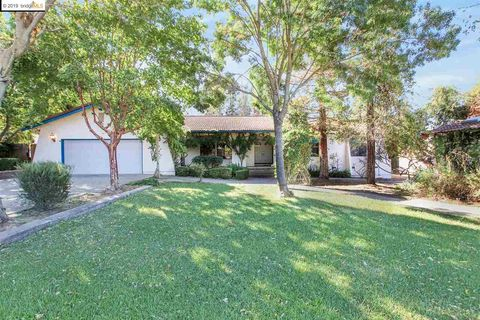 Photo of 3770 Holmes Rd, Oakley, CA 94561