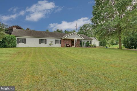 Photo of 1126 Walters Rd, Pennsburg, PA 18073