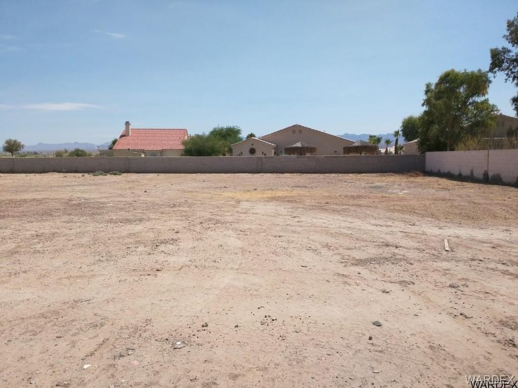 7712 S Valley Parkway Ct, Mohave Valley, AZ 86440