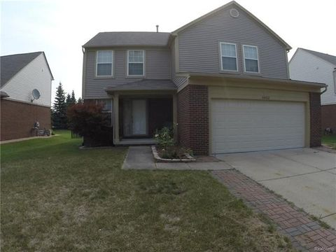 38302 Brook Dr, Sterling Heights, MI 48312