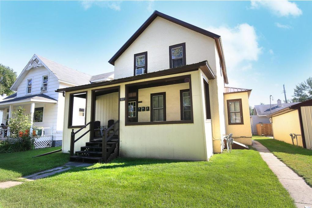 1117 university ave grand forks nd 58203 for Home builders grand forks nd