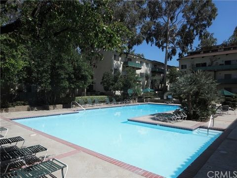 5460 White Oak Ave Unit B203, Encino, CA 91316