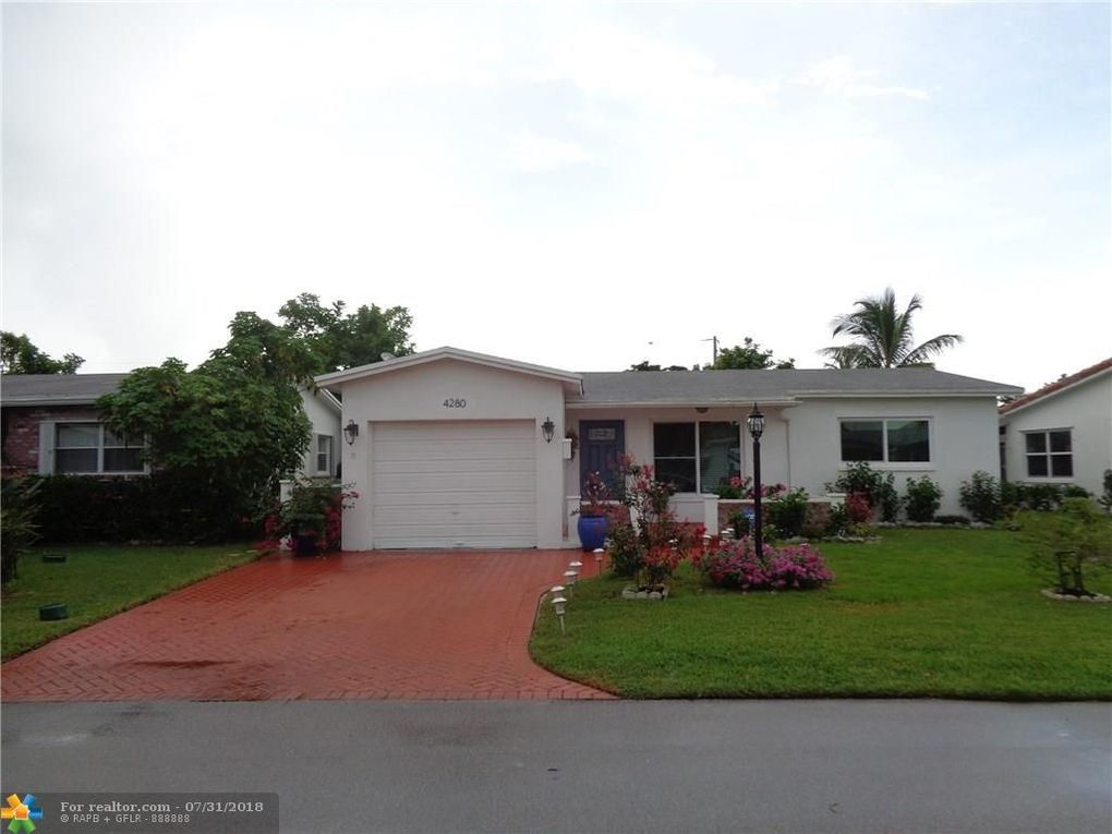4280 NW 51st Ave Lauderdale Lakes, FL 33319