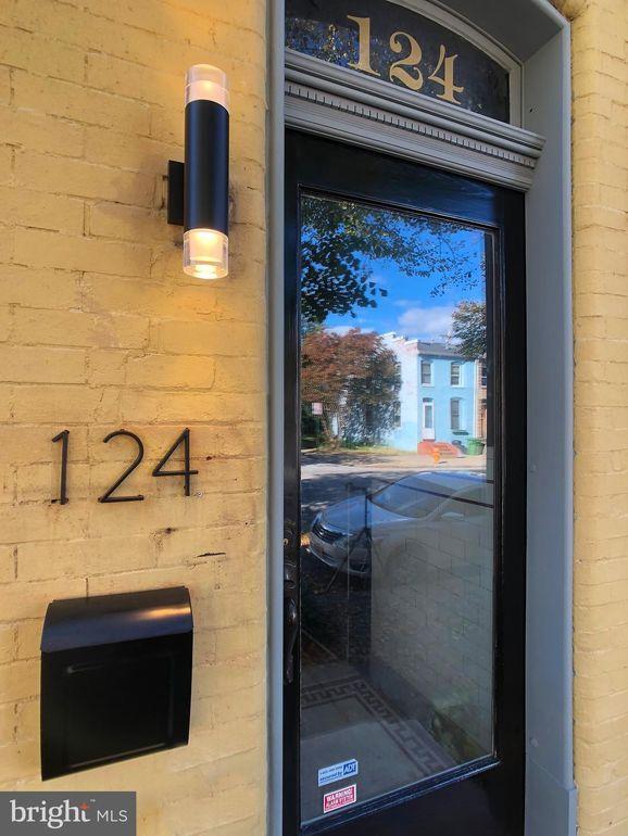 124 S Schroeder St Baltimore, MD 21223