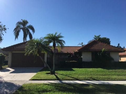 10484 Greentrail Dr N, Boynton Beach, FL 33436