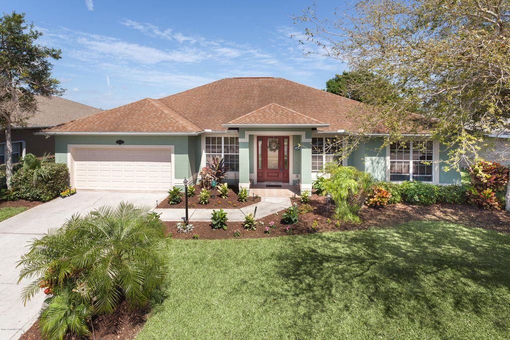 2542 Woodfield Cir, West Melbourne, FL 32904